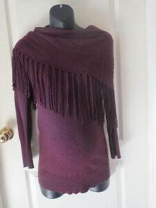 Stylish Maternity sweaters in excellent condition size XS-Medium