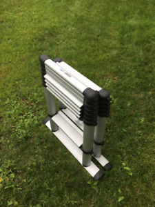 Compact sturdy telescoping two-sided ladder