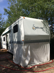 Ambrose Park at Emma Lake - Trailer on Leased Lot