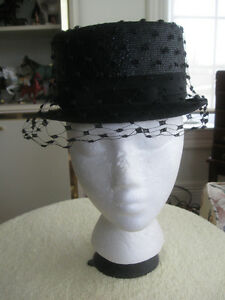 "CLASSY JET-BLACK OLD VINTAGE LADIES ""BOUTIQUE"" STRAW HAT"