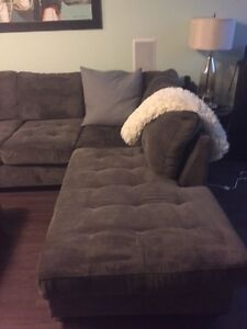 Large sectional with chaise lounge and ottomen Peterborough Peterborough Area image 2