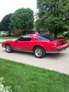 Bright RED 1988 Firebird Formula