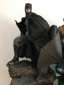 batman dark knight hot toys sideshow EXCLUSIVE  statue not bowen