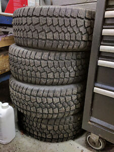 Selling a set of Saxon winter blazer snow tires 205/55r16