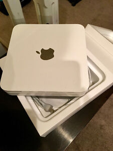 Apple Time Capsule 2 TB hardly used mostly in box Edmonton Edmonton Area image 1