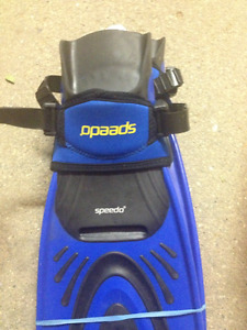 BLUE SPEEDO FLIPPERS FOR SALE, SIZE 11 TO 13.