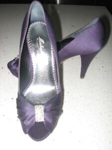 """New Michaelangelo """"Diana"""" Lapis Stiletto Heels  Size 7.5"""
