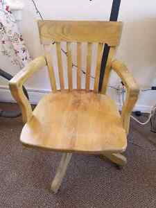 Vintage wood office chair for sale Kawartha Lakes Peterborough Area image 1