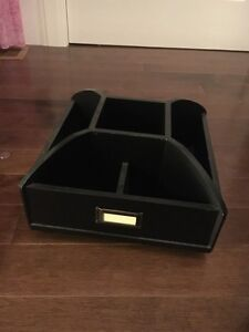 Black spinning organizer