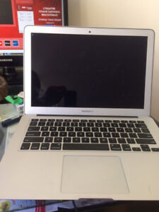"MacBook Air 2015 11"" CPU i5 1.6 Ghz RAM 4 Gb SSD 128 G"