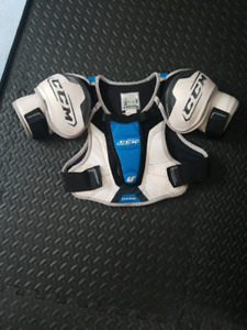 Hockey chest protector
