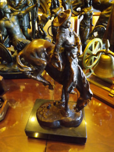 SCULPTURE BRONZE REMINGTON 1960's - Cowboy à cheval Cowboy on ho