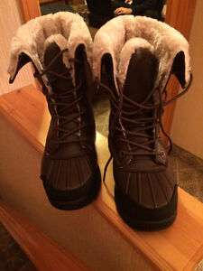 Brand new winter shoes with fur