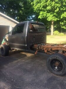 2002 Ford F350 7.3L engine and chassis