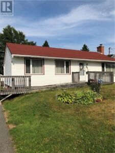 Affordable 3 Bedroom Home Located Close to Amenities!!