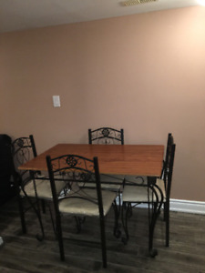 Perfect for Students Or Couple Fully Furnished