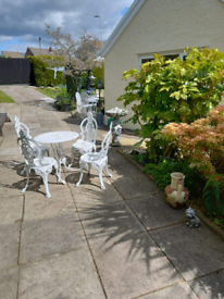 Cast aluminium Table and 4 Chairs