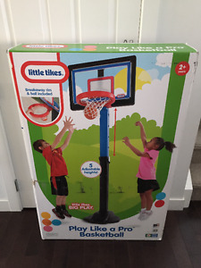 ===Unopened==Little Tikes Play Like A Pro Basketball