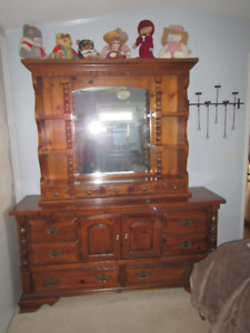 LADIES -  DRESSER FOR SALE