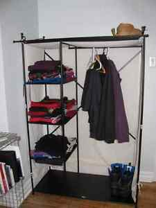 Rangement pour vetements IKEA - Storage rack for clothes