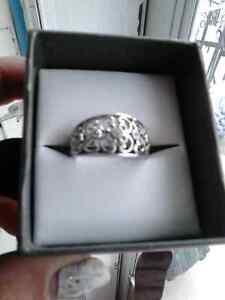 Sterling silver diamond ring  Cambridge Kitchener Area image 2