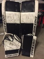 Sherwood pro t100 goalie pads blocker glove