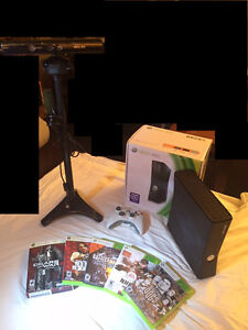 Microsoft Xbox 360S 250GB Console - Kinect with Stand