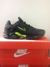 Nike air Tn black/lime all Sizes Available