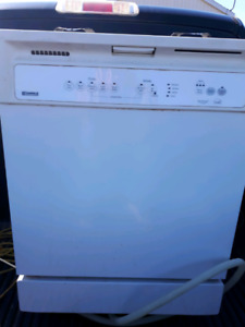 Built in dishwasher works great and clean $75