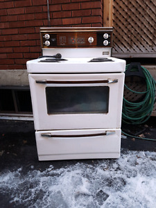 FREE - Kenmore Mark 3 oven/stove
