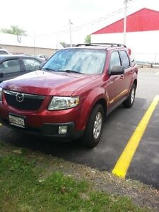 2008 Mazda Tribute SUV- V6 with traction control