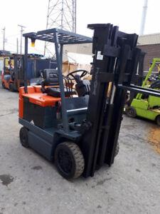 Chariot élévateur ~ Lift ~ Forklift ~ TOYOTA