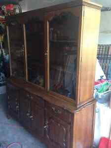 Gorgeous Solid Wood Hutch and Buffet Kitchener / Waterloo Kitchener Area image 1