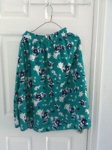 An elegant flower patterned skirt (US size:4-6)