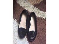Size 5 Clarks flats black leather
