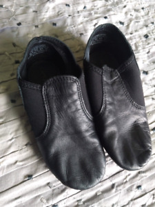 Black jazz capezio shoes young girls size 12.5 M