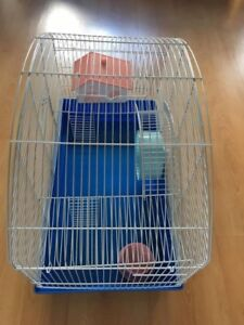 Cage pour hamster spacieuse avec accessoires