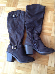 Knee high boots with brushed leather appearance size 6