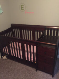 Baby crib with change table