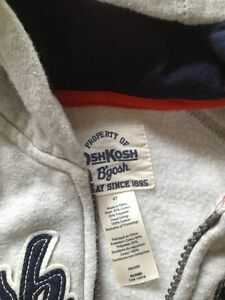 Boys sweaters size 4 London Ontario image 2