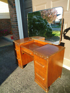 VINTAGE EMBOSSED DARK WOOD VANITY - GREAT CONDITION
