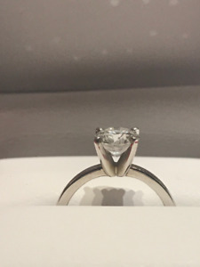 Beautiful 1.01 Ct Round solitaire diamond ring