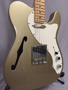 ***Fender Telecaster en très bonne état! WoW!***