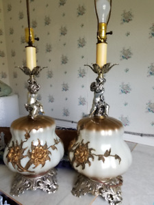 Set of 2 decorative lamps