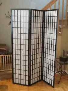 Paravent usage/Used Floor screen