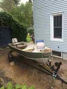 14 Ft aluminum boat & trailer great condition