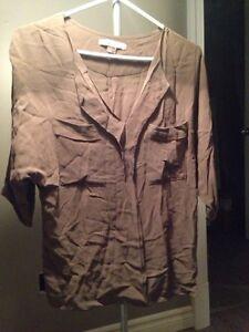 Hauts et camisoles à vendre 5$ chacun West Island Greater Montréal image 4
