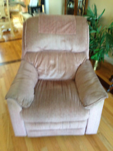 Lazy Boy Recliners, Wing back chair and Leather loveseat