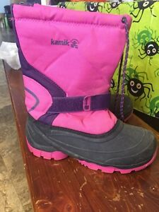 For sale girls youth size 5 kamik boots