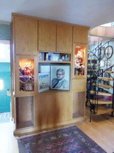 Oak wall unit/cabinet
